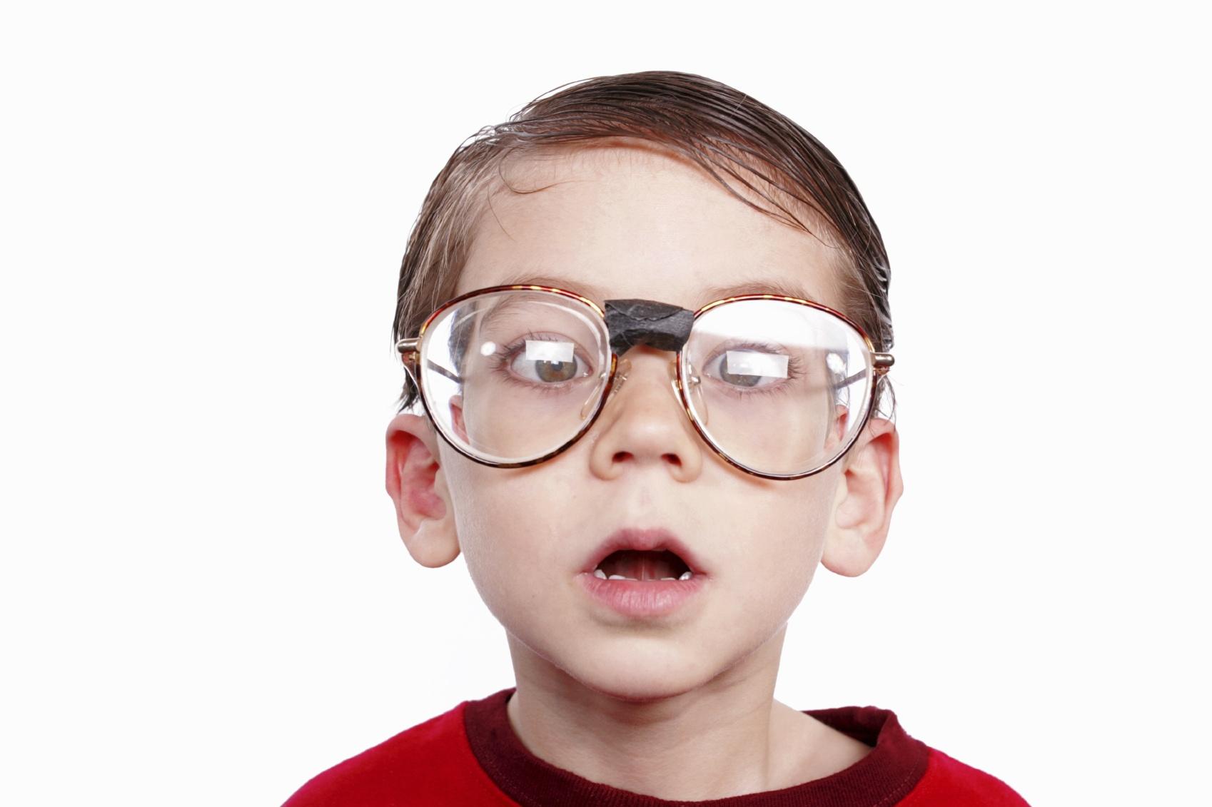 Ninos: cuida su vision para prevenir futuras complicaciones