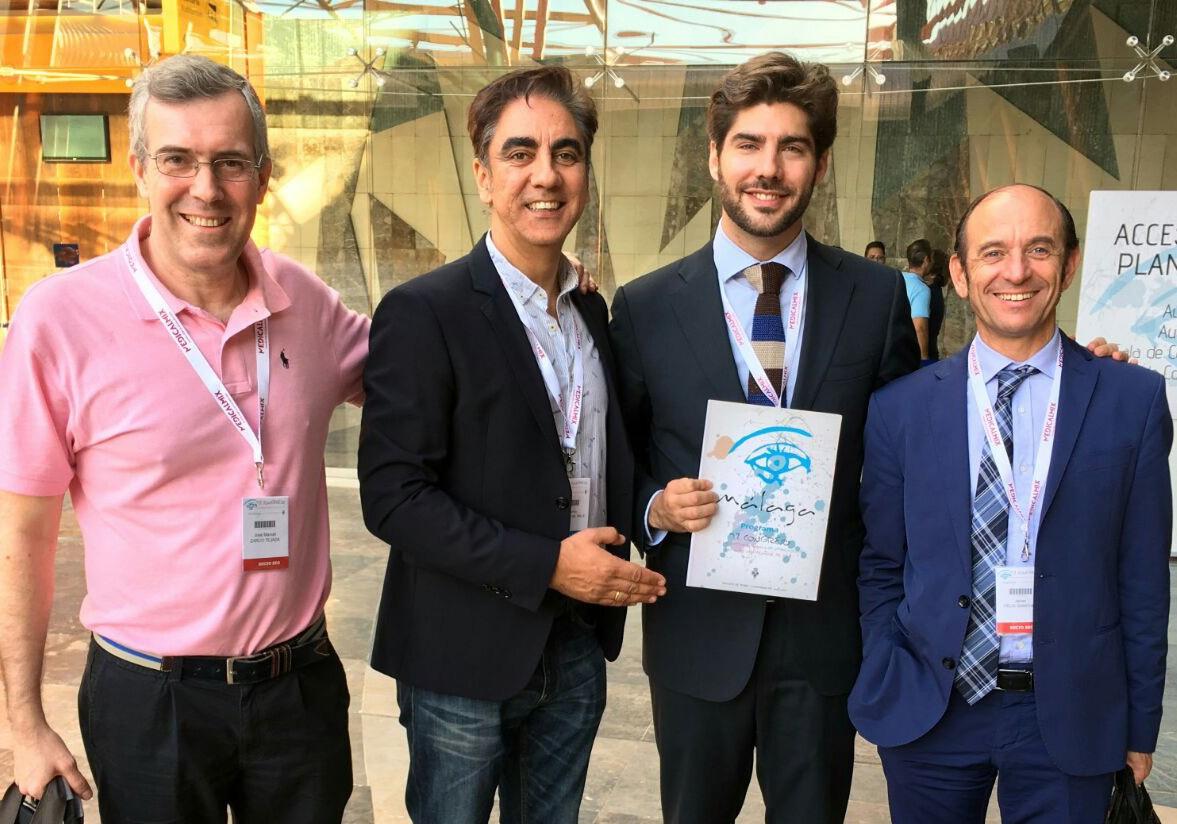 El equipo de oftalmólogos de la Clínica El Brillante premiado en el Congreso anual de la Academia Americana de Oftalmología en Chicago